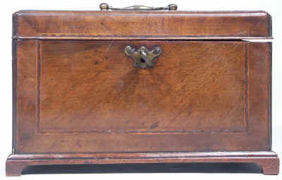 18th Century walnut Tea Chest Fitted with a Secret Compartment, Circa 1780. tcchsd08.jpg (64548 bytes)