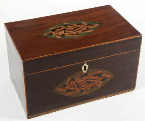 Mahogany Tea Caddy with Conch Shell inlays Circa 1790 tcmashells01.jpg (59934 bytes)