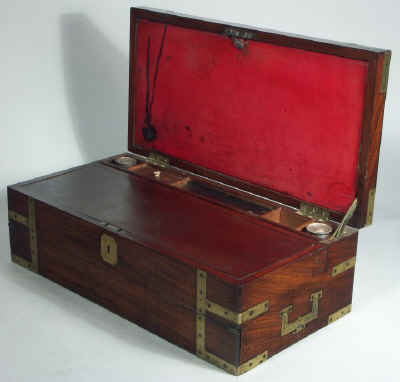 A Georgian Mahogany Triple Opening Writing Box circa 1810wbtoma01.jpg (70971 bytes)