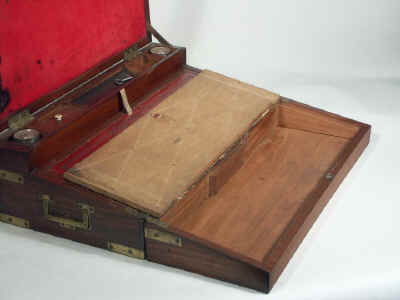 A Georgian Mahogany Triple Opening Writing Box circa 1810wbtoma07.jpg (58351 bytes)